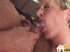 Zu dritt mit dem Nachbarn porn tube video
