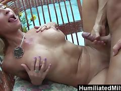 Horny milf gets a young stud to stuff her ravenous pussy porn tube video