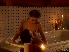 Romantic shagging game with a pretty lady in a tub