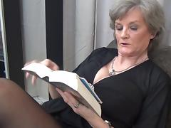 Birgitta gets bored of reading and decides to play with the pussy