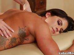 Jessa Rhodes special massage on Aspen Rae
