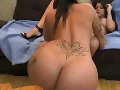 Leabian big butt