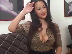 Sexxy doll rubs clit tube porn video