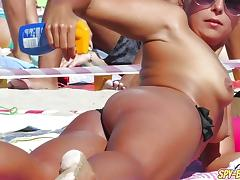 Naked beach babes caught on camera by voyeur