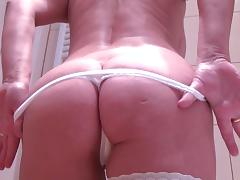 Moans as short hair blonde smash her pussy using big toy
