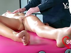 Babe's pulsating clit craves to be touched by an experienced hunk