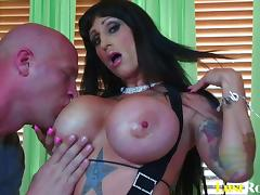 Pleasing sessions are unforgettable with busty Deja Voo porn tube video