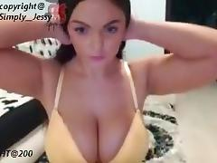 Cam beauty with huge boobies and shaved tight slit porn tube video