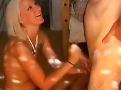 Amateur quickie with blondi