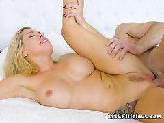 Chesty Cougar Savana Styles Gets Dicked Down