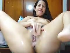 Latina whore squirts on webcam porn tube video
