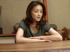 Midou Kanae is a horny woman who likes playing with her cunt