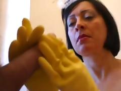 RUBBER HOUSEHOLD GLOVES HJ.MATURES porn tube video