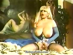 Candy Samples Masturbating Chesty Granny (1970s Vintage) tube porn video