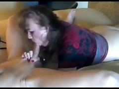 Amateur mature slut sucks porn tube video