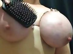 Torturando os peitos tube porn video