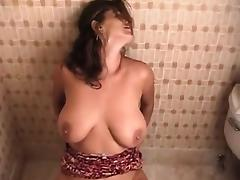 Milf Cleaning Pussy porn tube video
