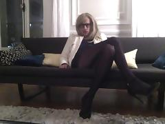 TRAVESTI TRAV CD SISSY CROSSDRESSER SE CARESSE EN COLLANTS porn tube video