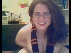 Curvy nerdy chick porn tube video