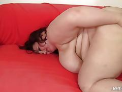 Chubby amateur loves to fuck