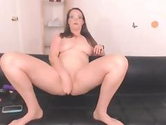 Curvaceous dirty talk pro Kiera with natural big breasts