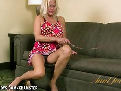 Payton Leigh masturbates to a hot fantasy
