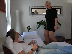 Horny blonde mature cousin comes for sex tube porn video