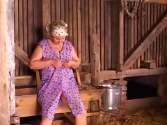 Granny in in the Country tube porn video