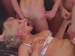 EXTREMEGranny porn tube video