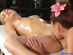 Paula Shy & Victoria Puppy in Orgasmic sex for hot lesbian babes - MassageRooms