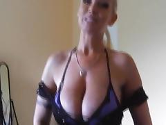 Geile milf hilft mit ihrem blasmaul beim samenstau porn tube video