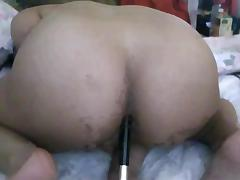 Tranny using a brush as a dildo porn tube video