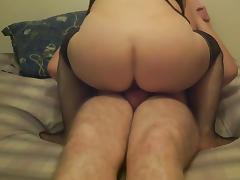 Petite baise au lit porn tube video