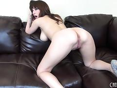 Sexy body Shay Laren poses and shows her stuff on live webcam porn tube video