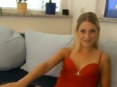 Mein erster Gurkenfick porn tube video