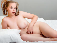 Lovely and curvy babe Melony porn tube video