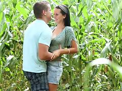 Mia Manarote is ready for a sex session in a corn field