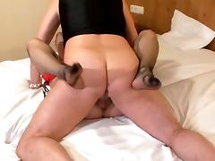 Ivy and Ova missionary sex and internal creampie