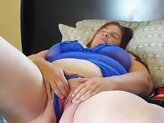 Sexy bbw rubs and toys porn tube video