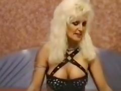 Threesome porn tube video