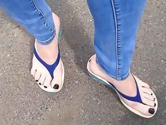flip flops walking