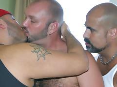 Kurt Rainz, Rafael Lambert & Tony Rivera - Video - HairyAndRaw