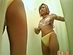 Young girl changes tube porn video