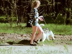 Beautiful college girl takes  a walk with the dog porn tube video
