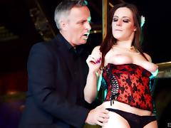 Hot stripper Samantha Bentley seduces a guy with her body porn tube video