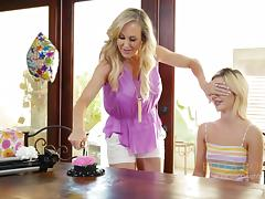 Brandi Love is a mature woman in need of Bella Rose's cunt