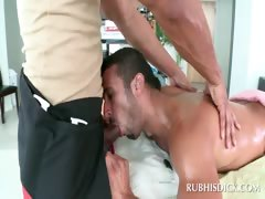 Dude giving blowjob to gay masseur tube porn video