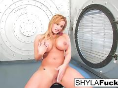 Shyla gives you a sexy strip and solo porn tube video
