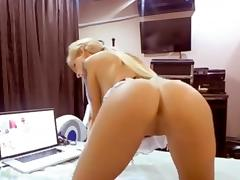 50mins of blonde ass that is tasty