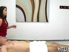 Dude makes super masseuse give his pecker supplementary care porn tube video